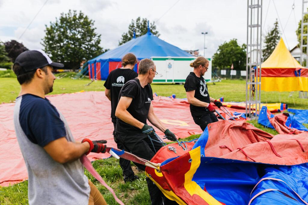 Aufbau der KulturBauStelle in Staufen. Foto: Philipp von Ditfuhrt / KulturBauStelle